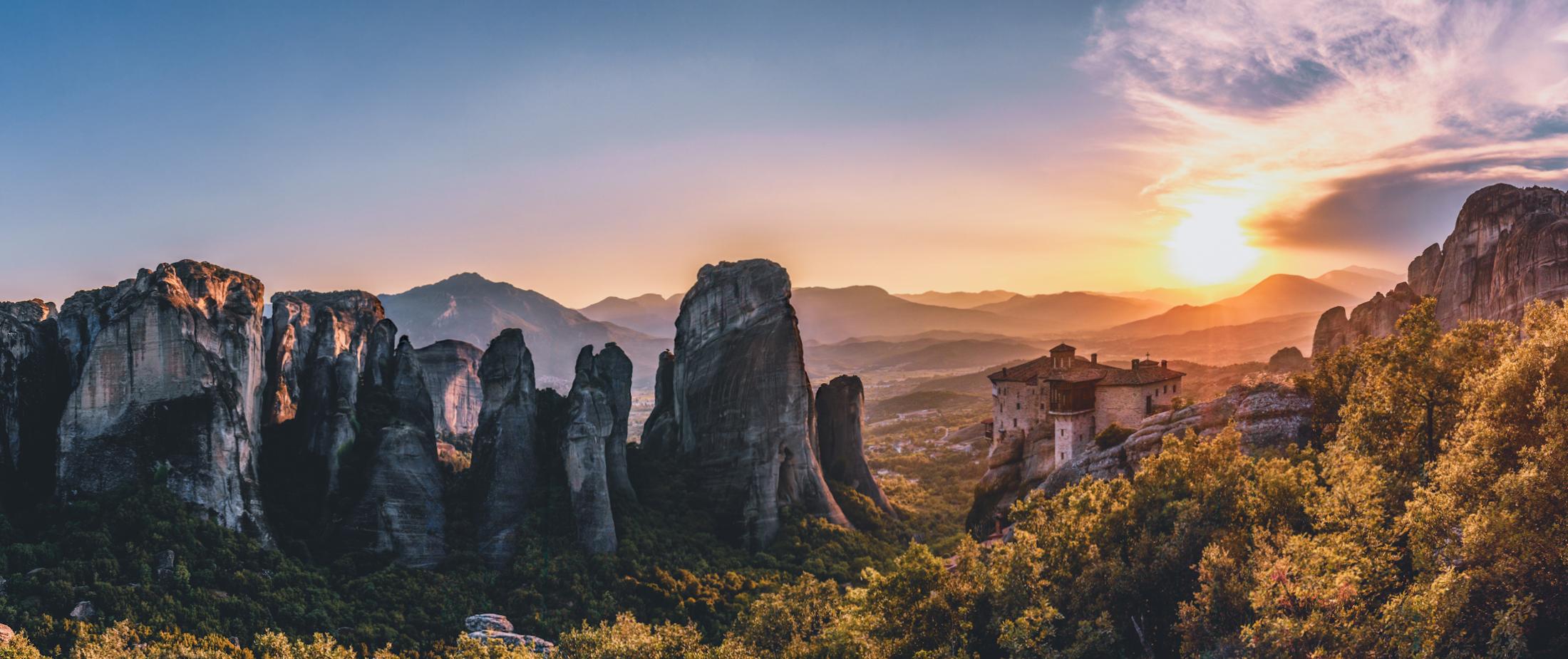 Atena – Korint – Delfi – Hosios Loukas – Kalambaka – Meteora – Solun – Filipi – Kavala – Berija – Ohrid – Tirana – Crnogorsko primorje – Boka Kotorska